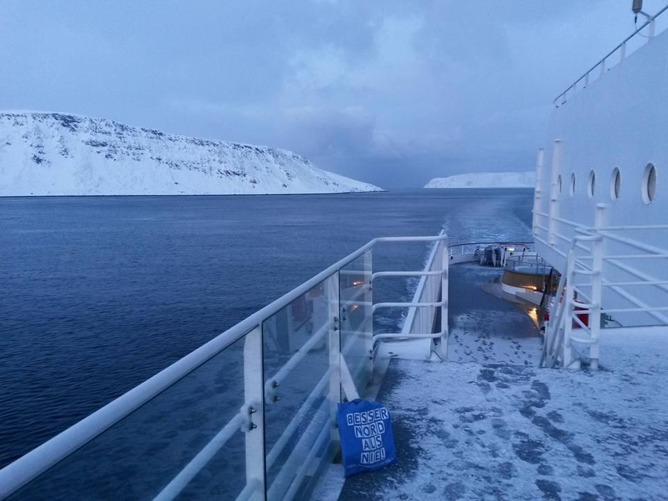 Auf dem Hurtigrutenschiff MS Finnmarken im Magerøysund