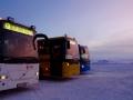 Dass zur Hochsaison im Sommer mehrere tausend Menschen gleichzeitig über das Plateau streifen und ganze Kolonnen an Bussen vor der Nordkaphalle parken, ist im Winter nur schwer vorstellbar.