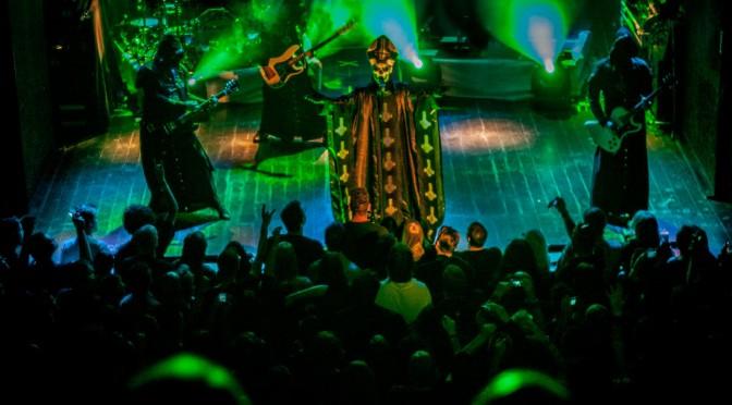 Ghost tritt in Utrecht auf, Juni 2013. Foto: Enric Martinez licensed under the Creative Commons Attribution 2.0 Generic